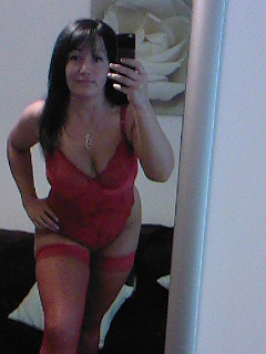 hi am a married woman who will play alone or with hubby, looking for sexy guys. love giving and receiving oral x o