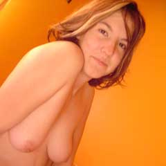 amatuer milf with some nice saggy tits