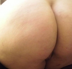 5'6 tall BBW, size 20. Shortish blonde hair, blue eyes. Attractive and up for all sorts of fun (as long as its legal!) married so usual rules apply guys