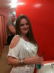 im 29 from glenrothes live wi my 2 kids not workin atm not sure wot im lookin for here but im sure ill kno it if i find it :)